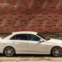 Автомобиль бизнес-класса Mercedes E class 2015